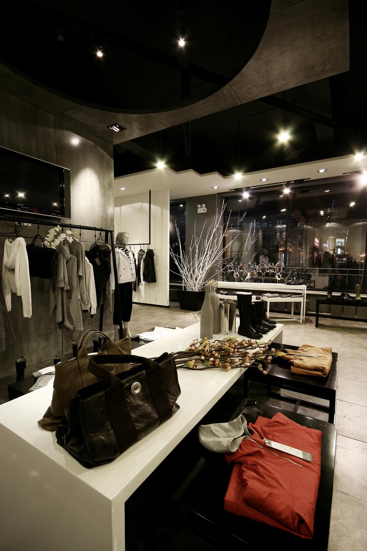 时尚品牌服装店manbetx手机登录设计效果图参考大全
